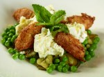 Buffalo Mozzarella salad with zucchini fritters, peas and mint
